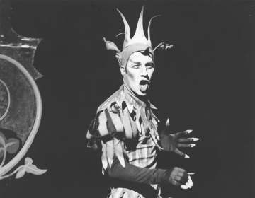 Production photograph, Dick Whittington (1977) by Derek Balmer. Image courtesy of University of Bristol Theatre Collection.